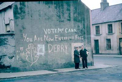 "Mor l'autor del grafit ""You Are Now Entering Free Derry"""
