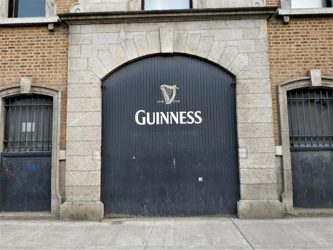 La llauna de Guinness es queda sense pilota de ping-pong