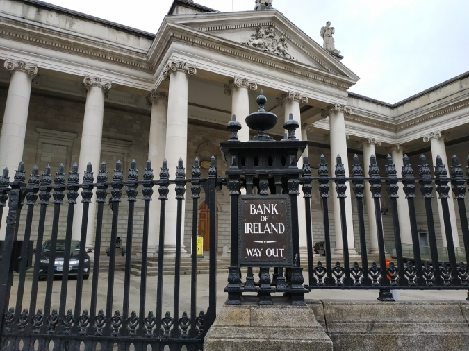 La cartera d'accions de l'Estat als bancs cau en picat