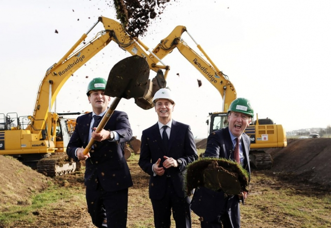 Varadkar & Ross turn sod on Dublin Airport's 3rd runway