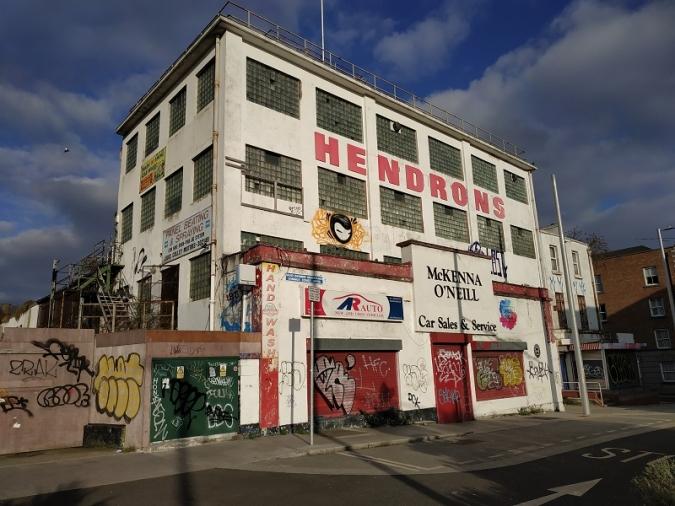 Projecte de co-living a l'antic taller mecànic Hendrons