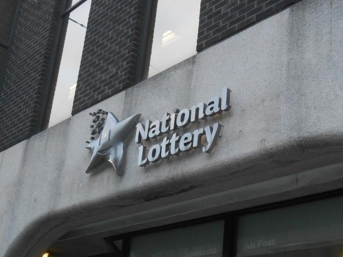 Crítiques a la Lotto i RTÉ per emetre el sorteig de Nadal