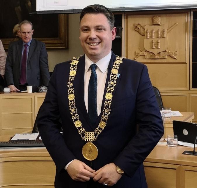 Les eleccions obliguen Dublin a cercar un nou batlle